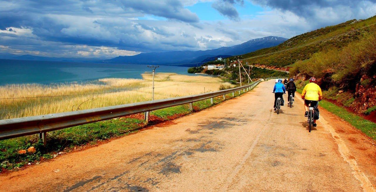 Albania bike tour lake Orhid_6h5lCqM4RFMhOOSc0BOA-1280×654 copy