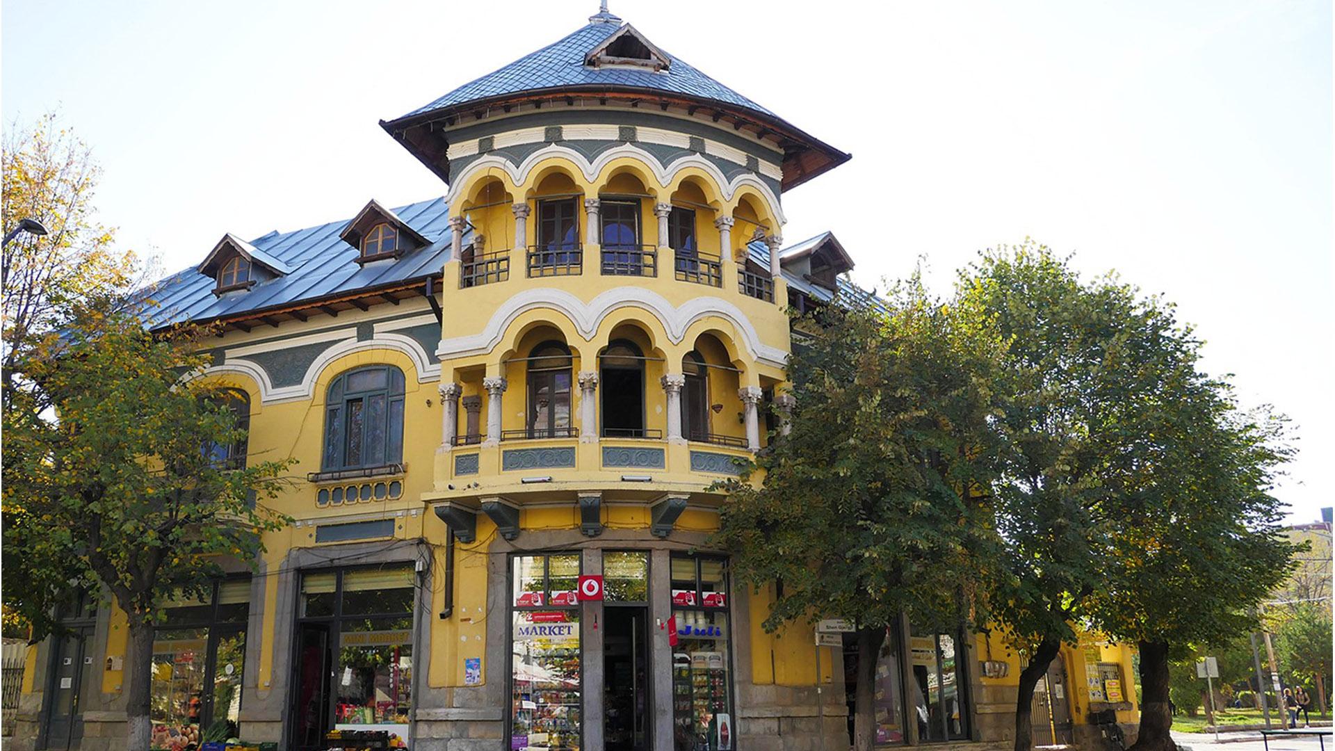 Day9- Korce -Voskopoja_0000s_0002_Romanian House -4