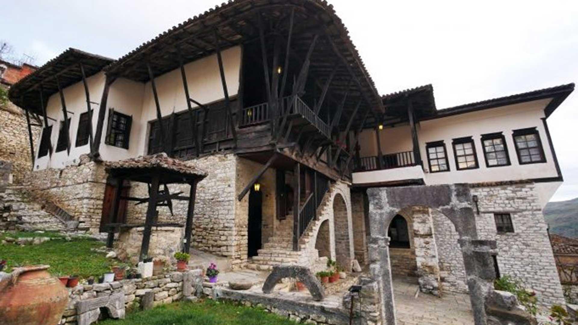 Ethnographic-Museum,-Berat–5
