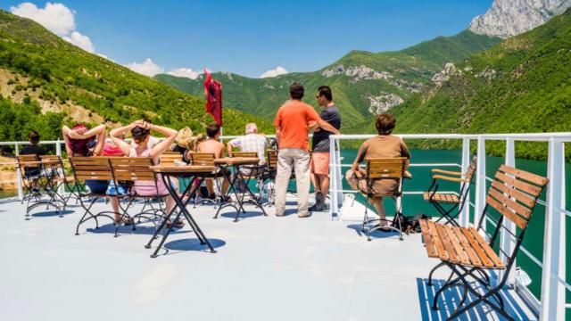 Koman-Lake-Ferry-1