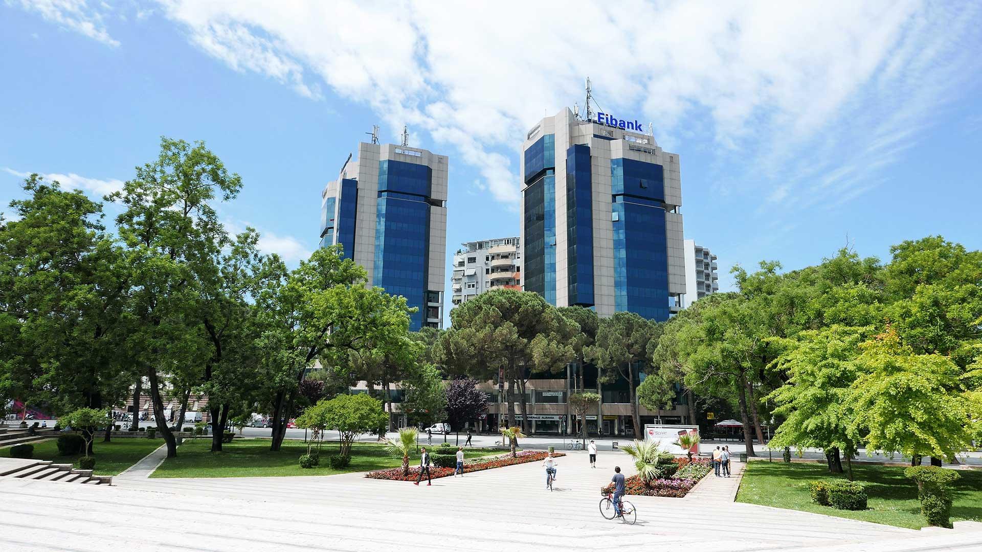 Main-Boulevard,-Tirana-2