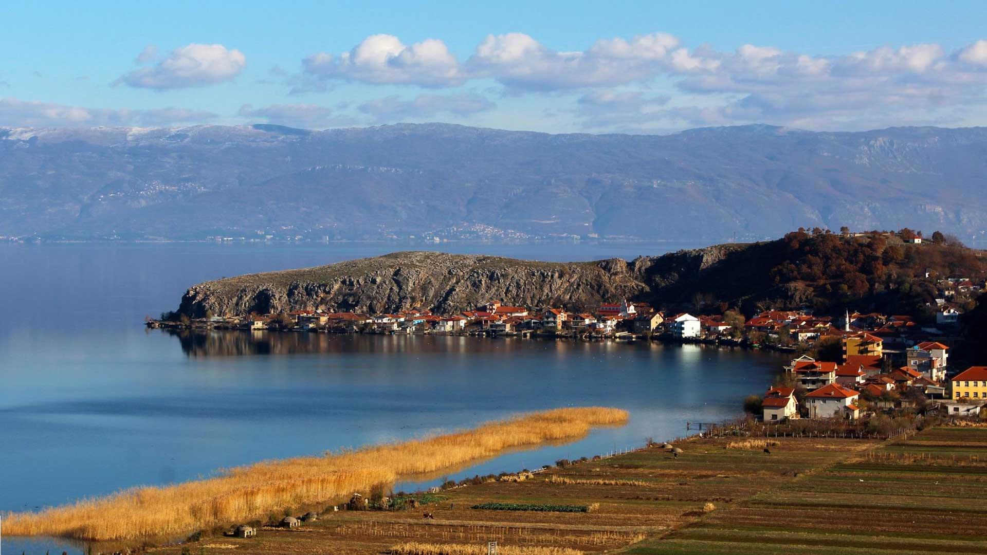 Ohrid-Lake,-Pogradec-5
