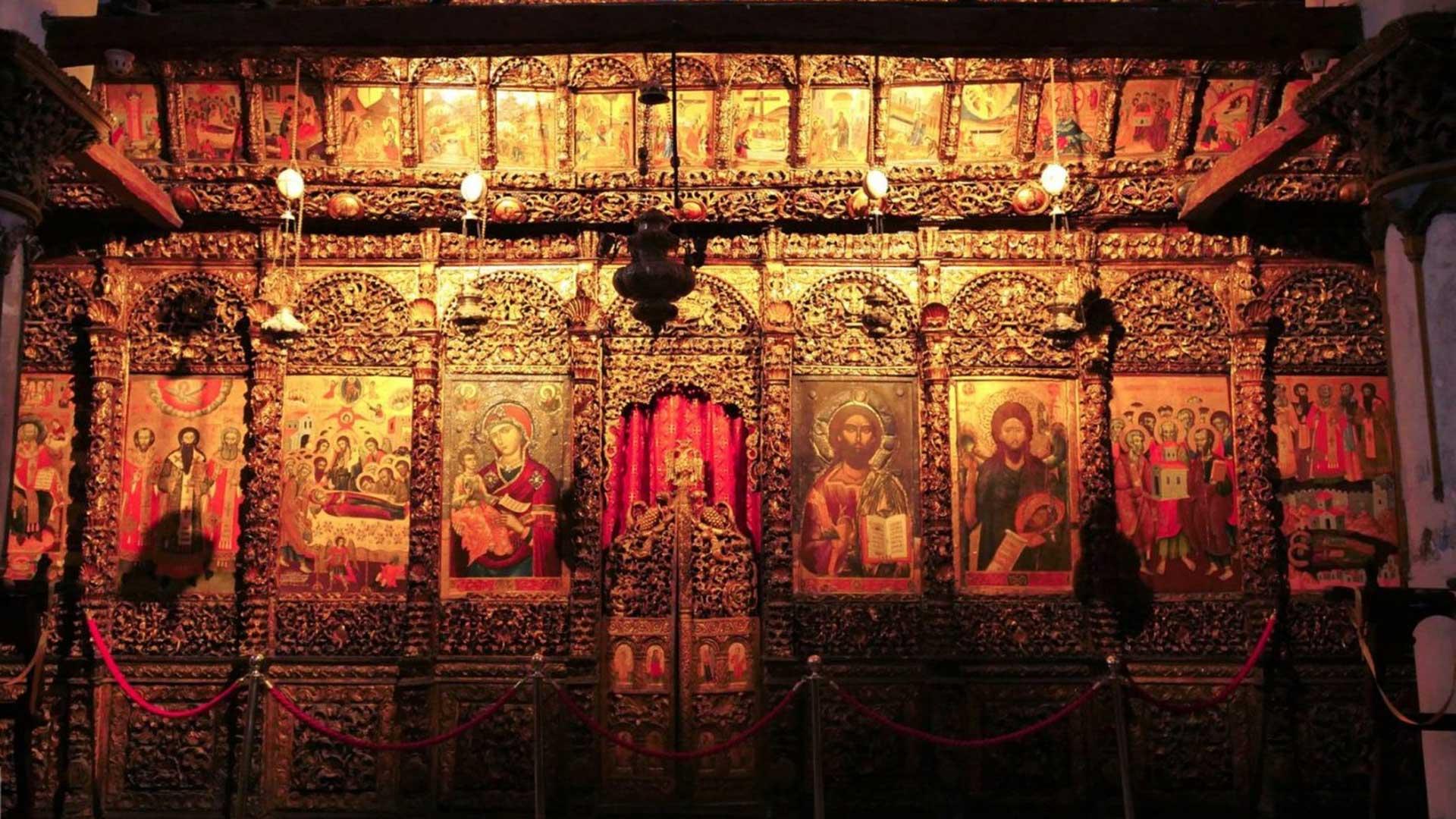 Onufri-Museum,-Berat-6