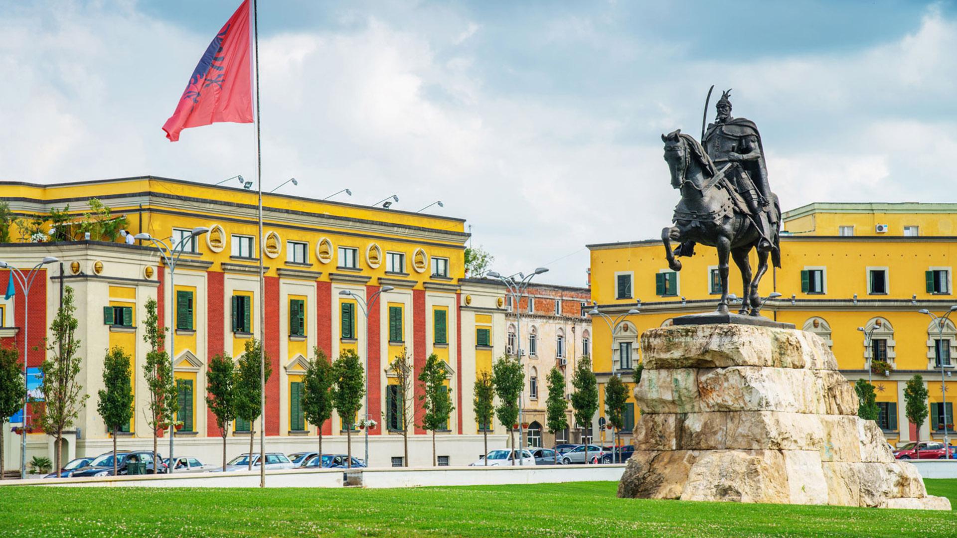day 3 tirana_0000s_0001_Skanderbeg Square-2